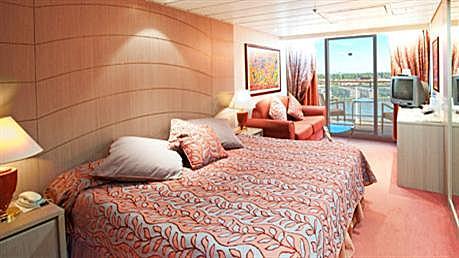 Msc opera cruise ship photos schedule itineraries for Piani artigiani con suite in suocera