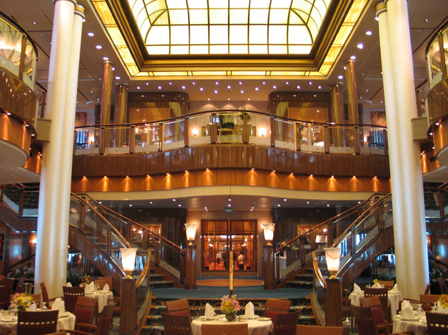 Queen Mary 2 Cruise Ship Photos Schedule Amp Itineraries Cruise Deals Discount Cruises