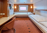 Middle deck for 2 travelers